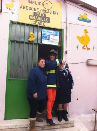 m_Pilar , Yoli  y Chro felices por la donaci+¦n de 10quillarichi